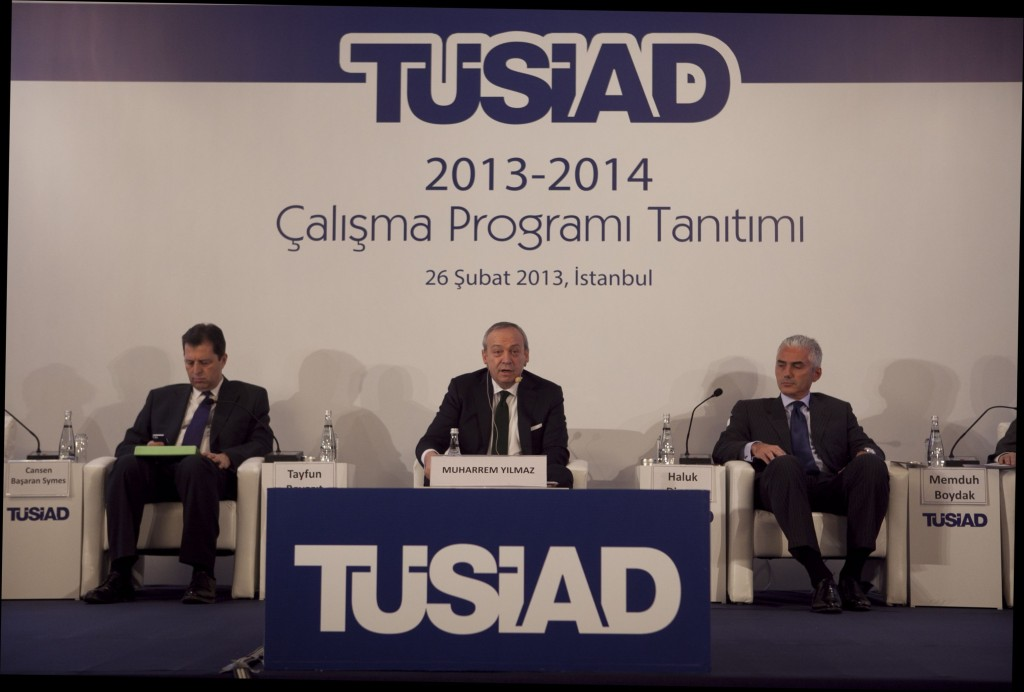 TUSIAD President Muharrem Yilmaz (center) gave opening remarks at the 2013-2014 TUSIAD Work Program meeting.