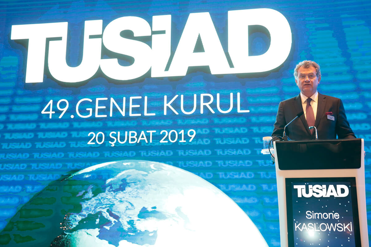 <p>The 49th General Assembly of the Turkish Industry and Business Association (TÜSİAD) convened in Istanbul today and elected a new Board of Directors. Simone Kaslowski was elected President of TÜSİAD. Murat Özyeğin, Mehmet Tara and Bahadır Balkır were elected Vice Presidents. Tuncay Özilhan has been re-elected President of the High Advisory Council of TÜSİAD.</p>